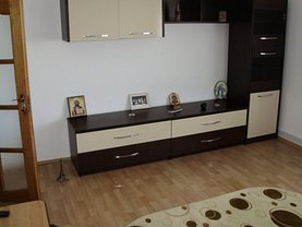 Apartament de închiriat 3 camere în Buzau, 1 Decembrie