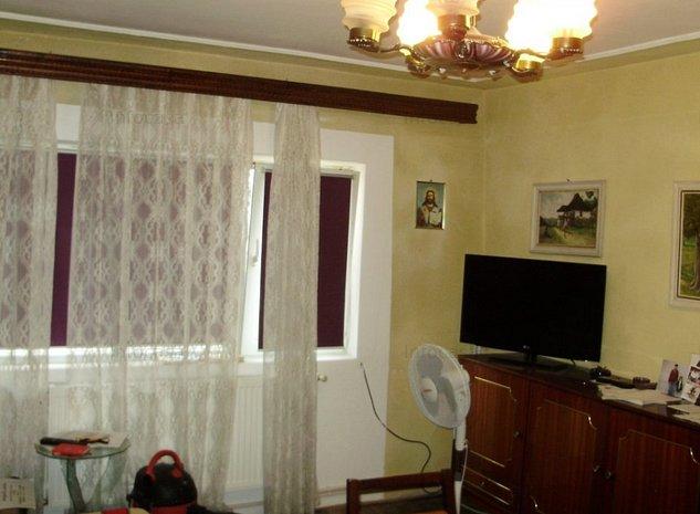 Apartament 3 camere, decomandat, zona Micro 3 [532] - imaginea 1