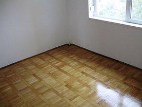 Apartament de vânzare 3 camere, în Buzau, zona Micro 5