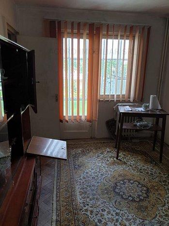 Apartament cu 2 camere de vanzare in zona SCOALA 8 - imaginea 1
