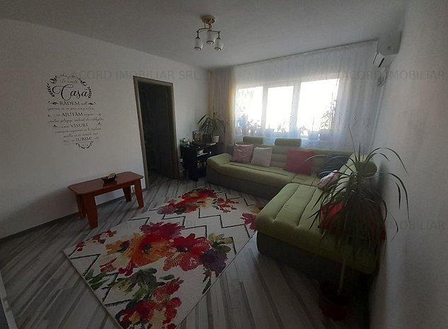Apartament cu 2 camere situat in zona KM 4-5 - imaginea 1