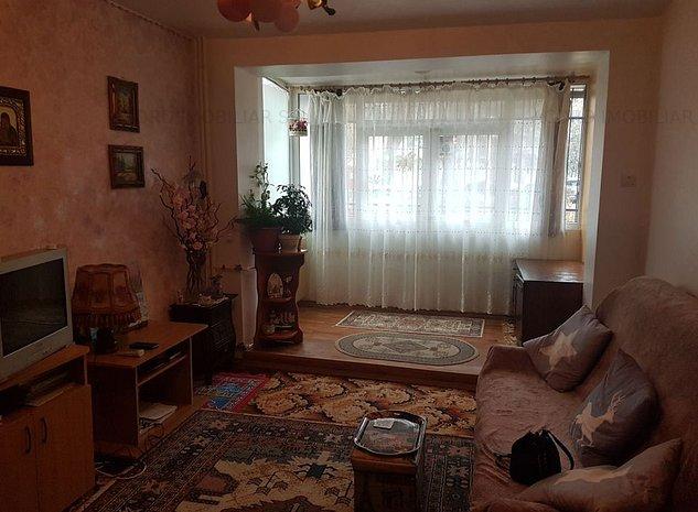 Tomis 1 amfiteatru-apartament 3 camere ,2 balcoane - imaginea 1