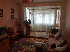 Apartament de vânzare 3 camere, în Constanţa, zona Tomis I