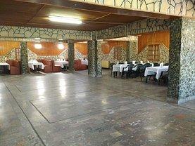 Casa de închiriat 12 camere, în Ovidiu, zona Central