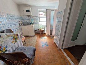 Casa de vânzare 3 camere, în Constanţa, zona Tomis I