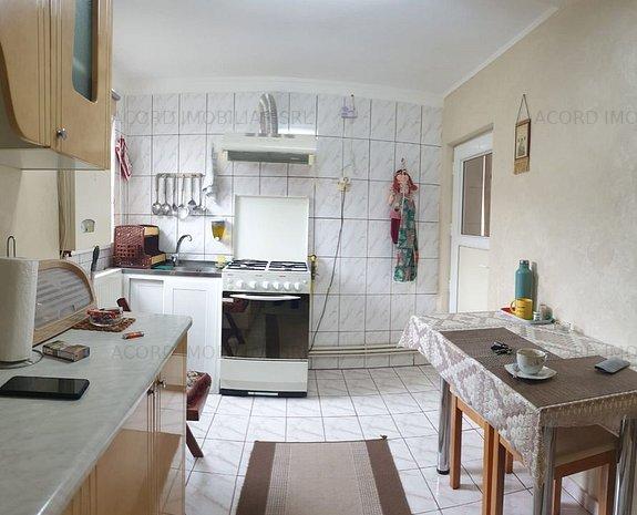 Casa 4 camere, zona Coiciu - imaginea 1