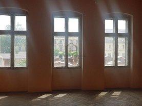 Casa de vânzare 13 camere, în Timişoara, zona Traian