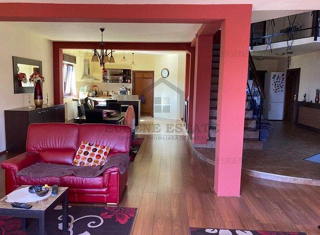 Casa individuala cu garaj si curte - imaginea 1
