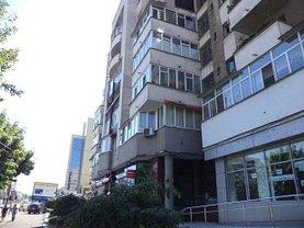 Apartament de vânzare 4 camere, în Craiova, zona Central