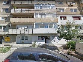 Apartament de vânzare 3 camere, în Huşi, zona Central