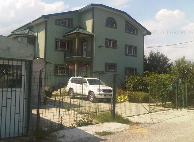 Casa cu teren situata in cartier Palazu Mare - imaginea 1