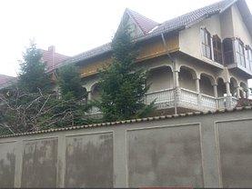 Casa în Bucuresti, Militari