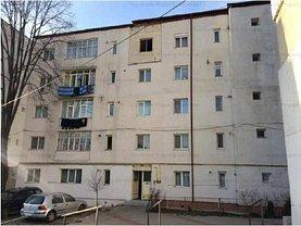Apartament de vânzare 3 camere în Vaslui, Nord-Est