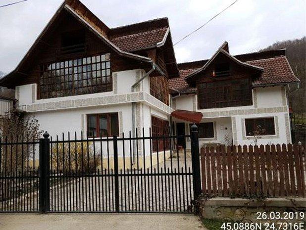 Casa, Malureni - imaginea 1
