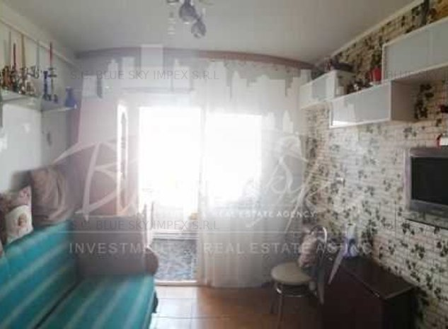 Tomis III -Apartament 2 camere ,centrala gaz,loc de parcare - imaginea 1