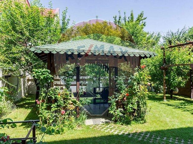 Casa / Vila cu 9 camere de vanzare in zona Valea Oltului - imaginea 1