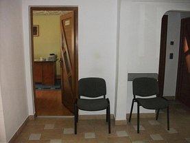 Apartament de vânzare 4 camere, în Vladimirescu
