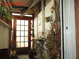 Casa de vânzare 8 camere, în Targu-Jiu, zona Central