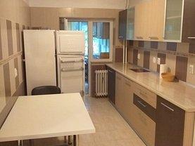 Apartament de închiriat 3 camere, în Constanta, zona Universitate