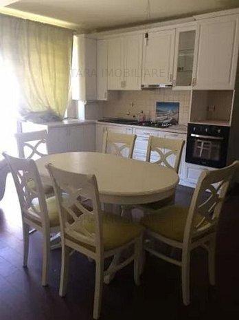 Apartament cu 3 camere de vanzare, Floresti - imaginea 1