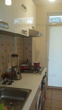 Apartament cu 2 camere de vanzare in Plopilor - imaginea 1