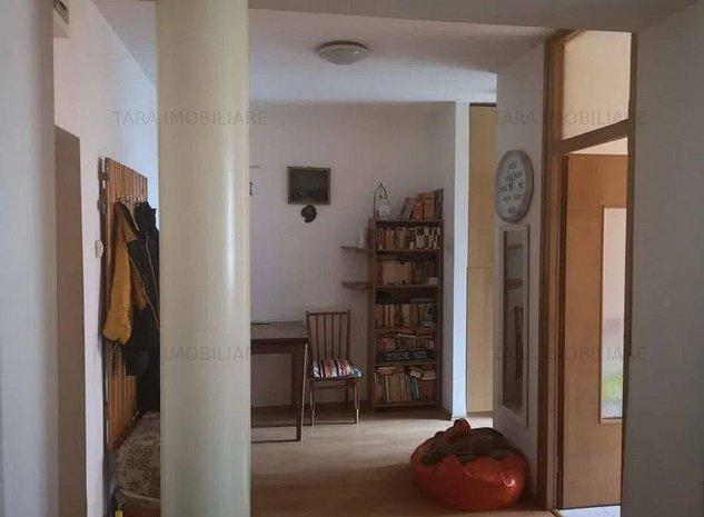 Apartament cu 1 camere de vanzare in zona Gruia - imaginea 1