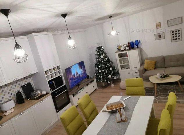 Apartament cu 3 camere de vanzare, in Sannicoara - imaginea 1