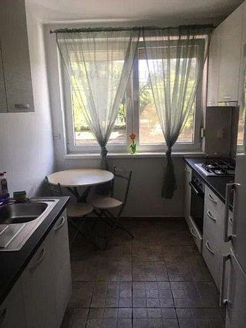 Apartament de 3 camere in zona Ultracentrala - imaginea 1