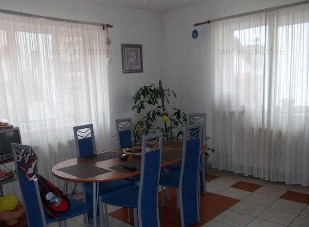 Casa / Vila cu 6 camere de vanzare in zona Campului - imaginea 1