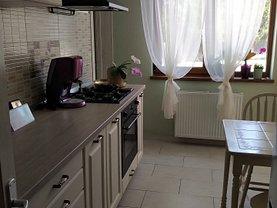 Apartament de vânzare sau de închiriat 3 camere, în Piteşti, zona Câmpului