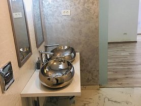 Casa de închiriat 4 camere, în Pitesti, zona Prundu
