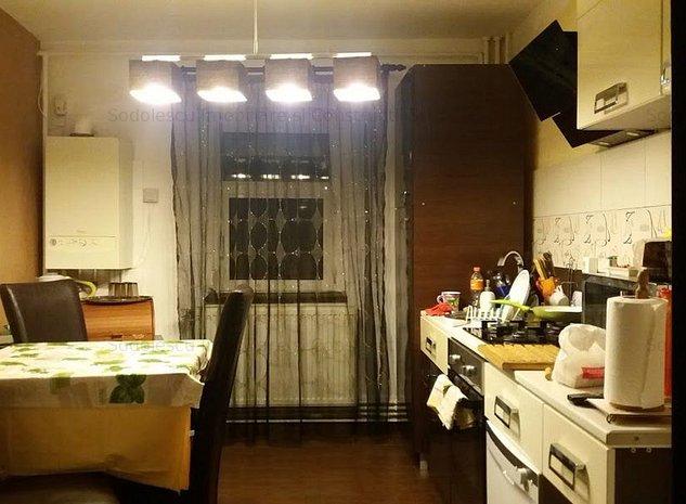 Apartament cu patru camere in zona Bucovina - imaginea 1