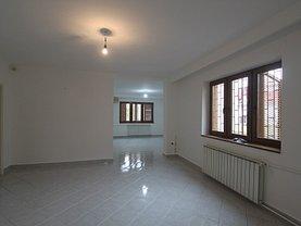 Casa de vânzare sau de închiriat 7 camere, în Timişoara, zona Girocului