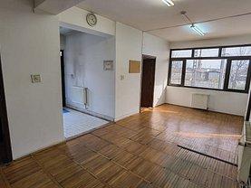 Casa de închiriat 21 camere, în Timişoara, zona Lipovei
