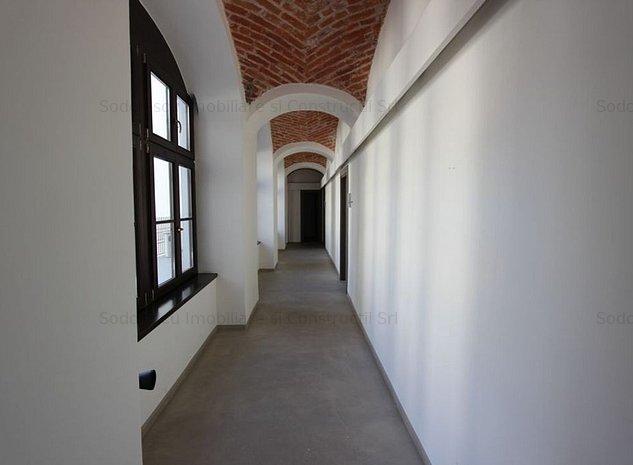 Spatiu birouri 40 mp de inchiriat in zona Central - imaginea 1