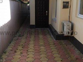 Casa de închiriat 4 camere, în Constanta, zona Faleza Nord