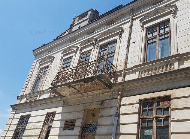 Peninsula, Casa monument istoric, 17 camere, vedere la port - imaginea 1