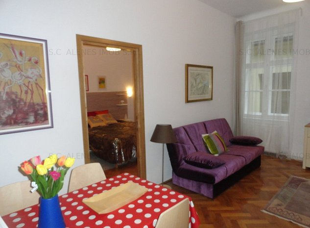 Brasov apartament de inchiriat in regim hotelier P. Sfatului renovat si utilat - imaginea 1