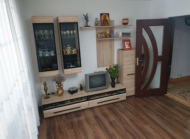 Apartament de 4 camere deosebit  - imaginea 1