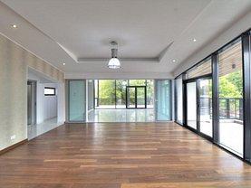 Penthouse de vânzare 3 camere, în Bucuresti, zona Casin