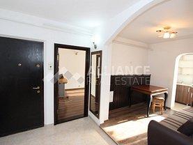 Apartament de închiriat 4 camere, în Iaşi, zona Podul de Fier