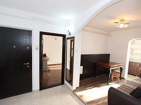 Apartament de vânzare 3 camere, în Iaşi, zona Podul de Fier