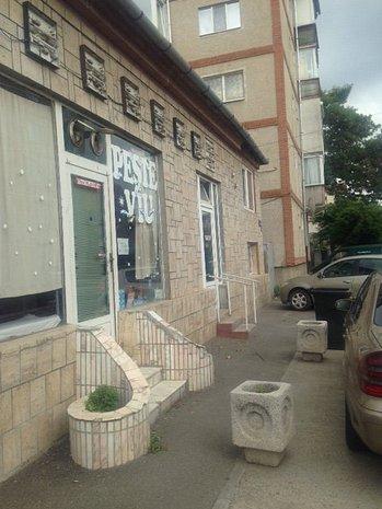 Vand casa cu spatiu comercial langa piata Doina! - imaginea 1