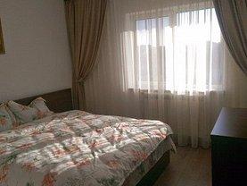 Apartament de închiriat 3 camere în Pitesti, Central