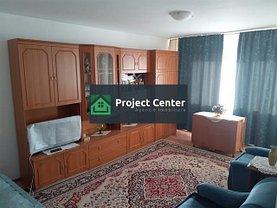 Apartament de vânzare 3 camere, în Pitesti, zona Tudor Vladimirescu