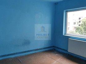 Apartament de vânzare 3 camere, în Piteşti, zona Tudor Vladimirescu