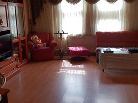 Casa 3 camere în Pitesti, Central