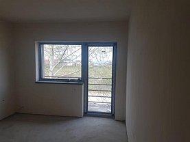 Casa de vânzare 4 camere, în Piteşti, zona Trivale