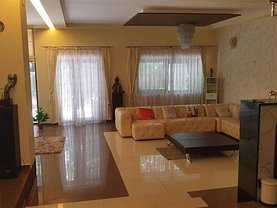 Casa de închiriat 8 camere, în Piteşti, zona Trivale