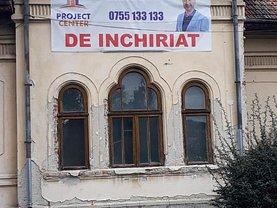 Casa de închiriat 10 camere, în Piteşti, zona Central